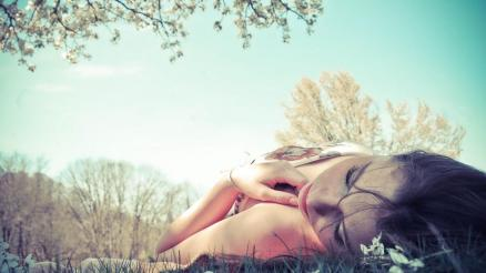 woman-laying-dream-girl-lying-down-grass-with-103392